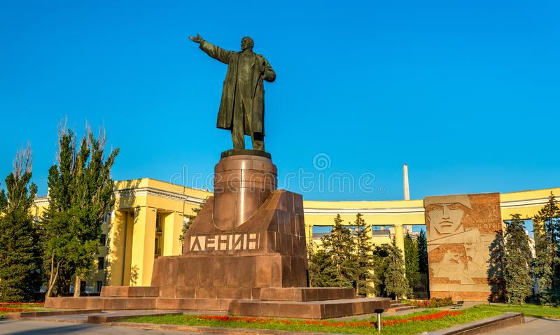 Zabytek Vladimir Lenin na Lenin kwadracie w Volgograd, Rosja fotografia royalty free
