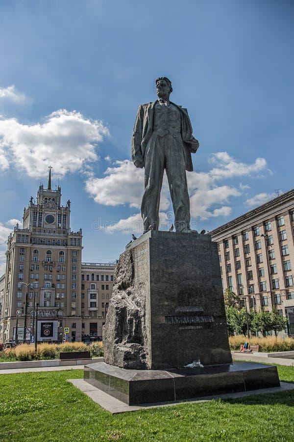 Zabytek Vladimir Mayakovsky na Triumfalnym kwadracie fotografia stock