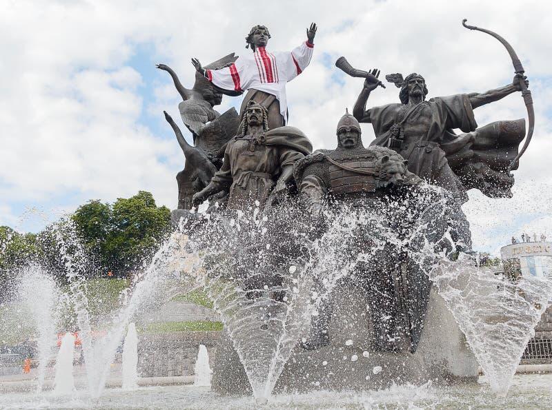 Zabytek założyciele przy niezależność kwadratem w Kijów, Ukraina zdjęcia stock