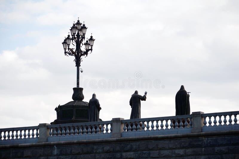 Zabytki kompleksów rzeźbeni patriarchowie Moskwa i wszystkie Rosja przy katedrą Chrystus «wybawiciel w Moskwa zdjęcia royalty free