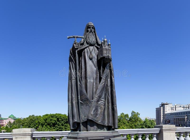 Zabytki rzeźbeni powikłani patriarchowie Moskwa i wszystkie Rosja blisko katedry Chrystus wybawiciel moscow Rosji zdjęcie stock