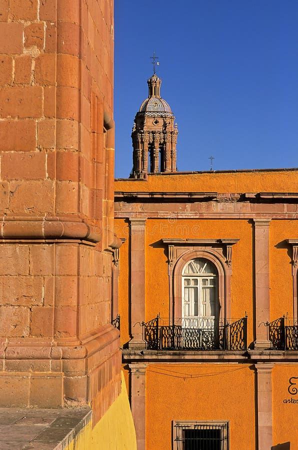 zacatecas för klockadomkyrkamexico torn royaltyfri foto
