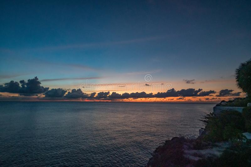 Zachód słońca do morza fotografia royalty free