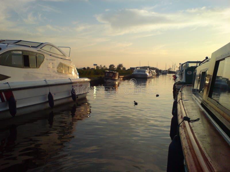 zachód słońca na łodzi fotografia stock