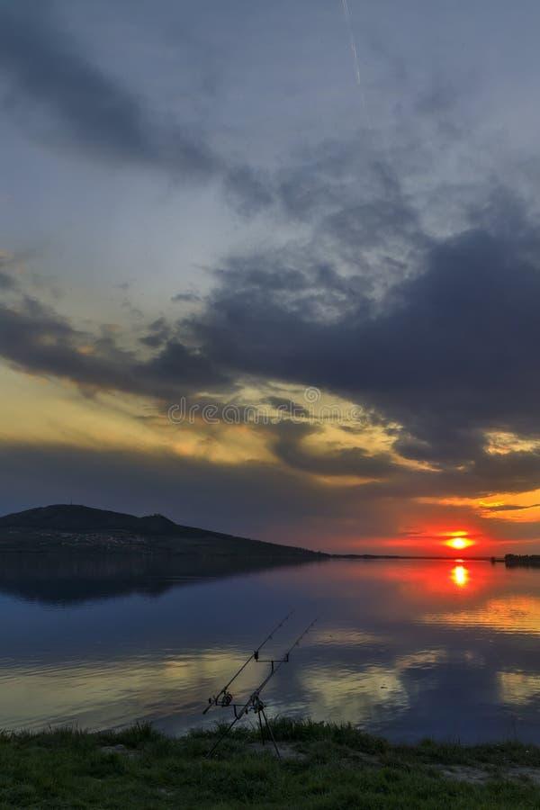Zachód słońca nad jeziorem Nove Mlyny w regionie Palava, Morawy Południowe, Czechy obrazy stock