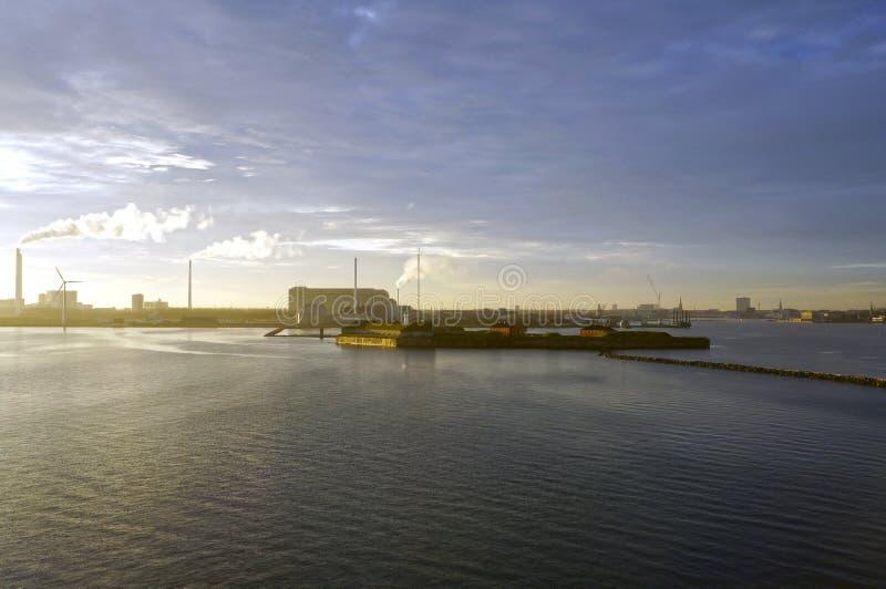 zachód słońca nad morza czarnego Oresund cieśnina blisko Kopenhaga, Dani obraz royalty free