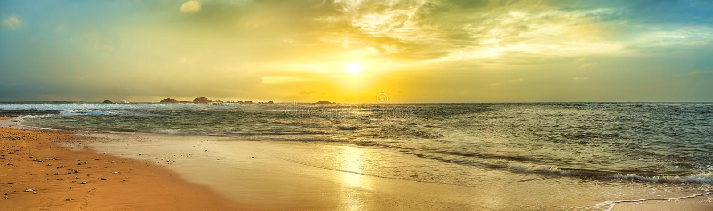 zachód słońca nad morza czarnego panorama obrazy royalty free