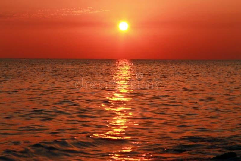 zachód słońca nad morza czarnego równo Czarny denny nadmorski zdjęcia stock