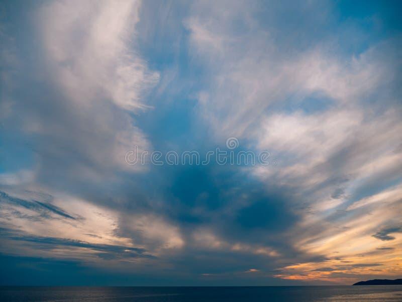 zachód słońca nad morza czarnego Zmierzch nad Adriatyckim morzem Słońce siedzieć zdjęcie royalty free