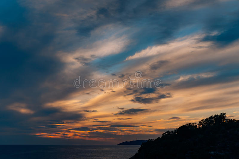 zachód słońca nad morza czarnego Zmierzch nad Adriatyckim morzem Słońce siedzieć zdjęcie stock