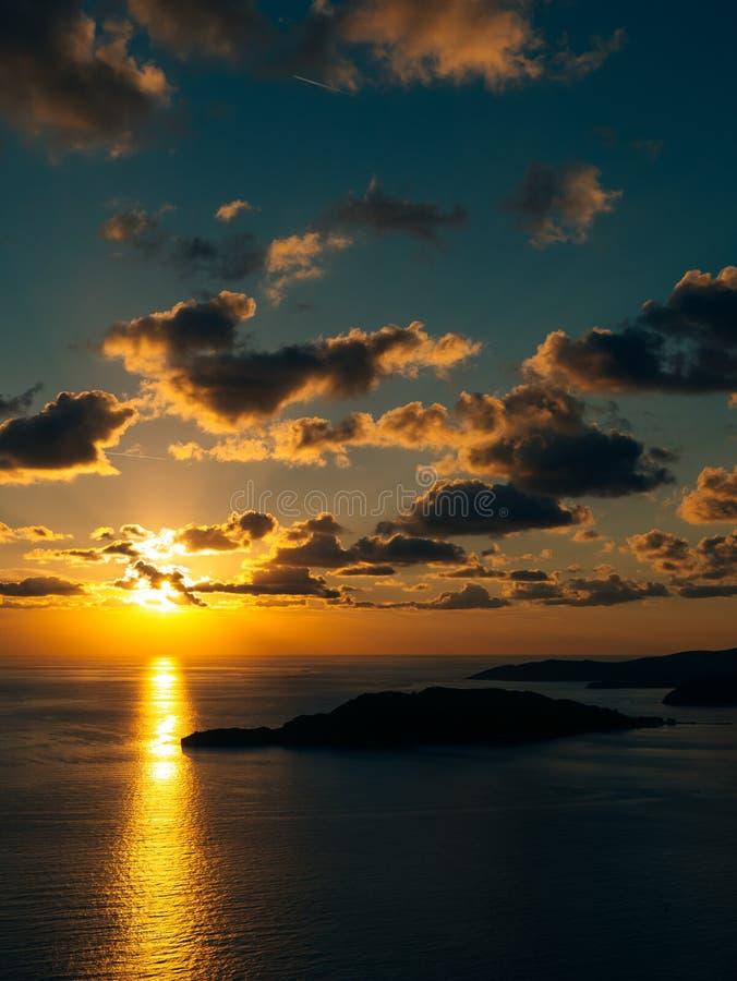zachód słońca nad morza czarnego Zmierzch nad Adriatyckim morzem Słońce siedzieć obrazy royalty free