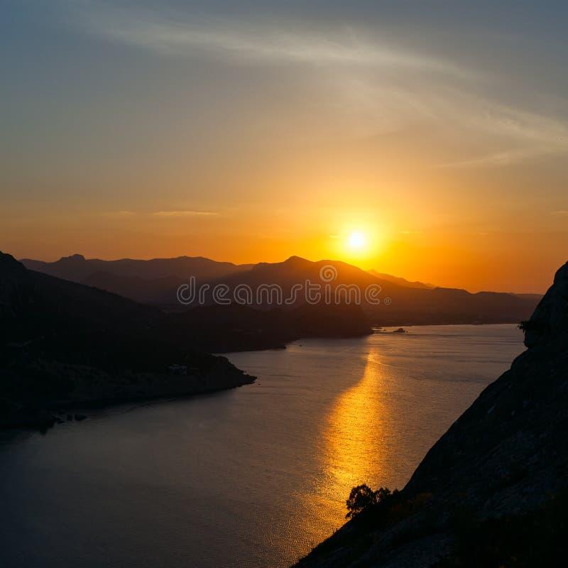 zachód słońca nad morze obraz stock