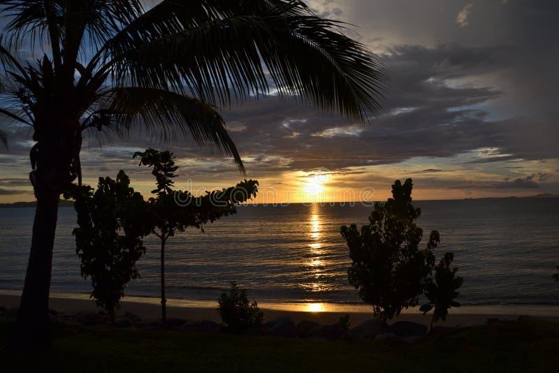 zachód słońca nad ocean zdjęcia stock