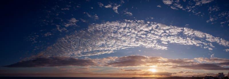zachód słońca nad ocean atlantycki obraz stock