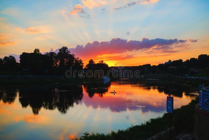 zachód słońca nad rzeką obraz stock