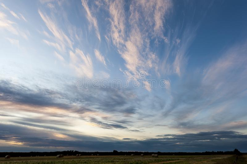 Zachód słońca w pobliżu Warman, Saskatchewan, Kanada obrazy royalty free