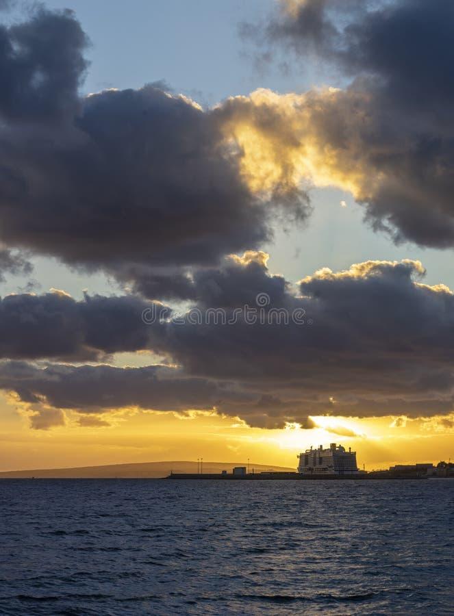 Zachód słońca w porcie portiksolu obraz royalty free