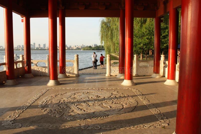 zachodni jeziorny Hangzhou porcelanowy pawilon zdjęcie royalty free