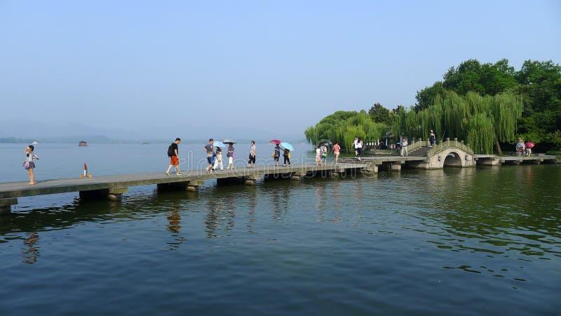Zachodni jezioro z kamienia mostem zdjęcia royalty free