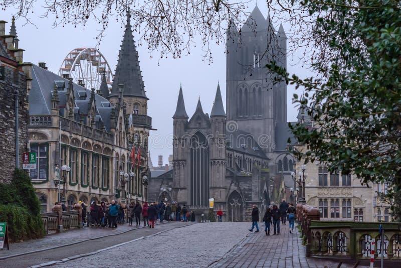 Zachodni koniec Świątobliwy Nicholas kościół, Stary urząd pocztowy i zdjęcia royalty free