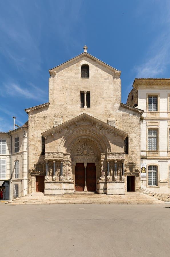 Zachodnia fasada Świątobliwa Trophime katedra w Arles, Francja Rhone, obraz royalty free