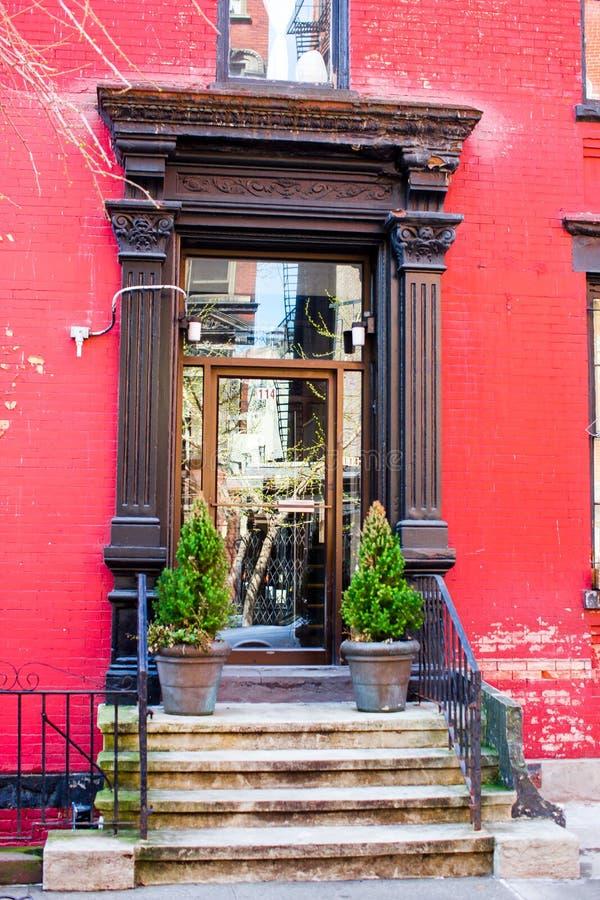 Zachodnia wioska przy Nowy Jork Manhattan Starzy czerwień domy w Nowy Jork mieście obraz stock