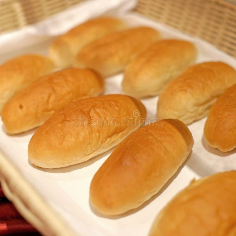 Zacht broodjesbrood voor ontbijtmaaltijd stock fotografie