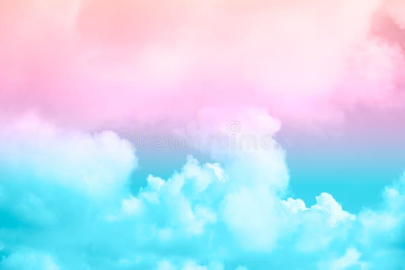 Zachte wolk en hemel met de kleur van de pastelkleurgradiënt stock afbeelding