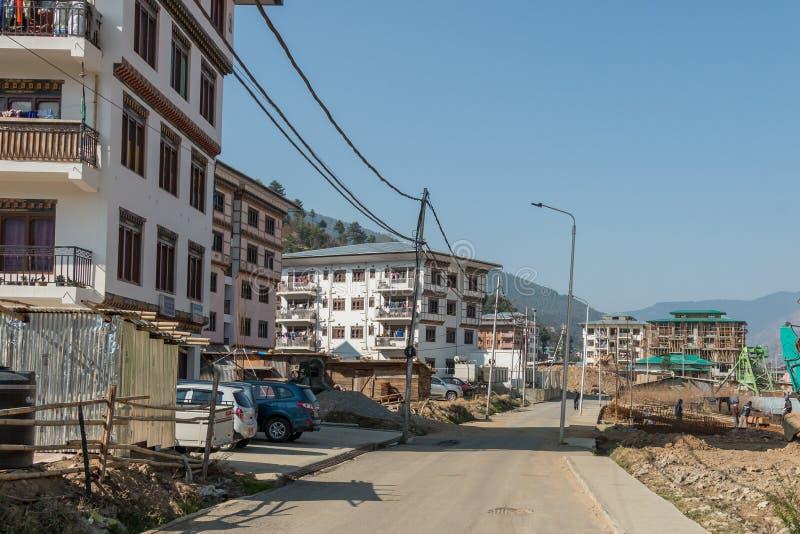 Zaciszność, puste ulicy w Thimphu mała stolica Bhutan obrazy stock