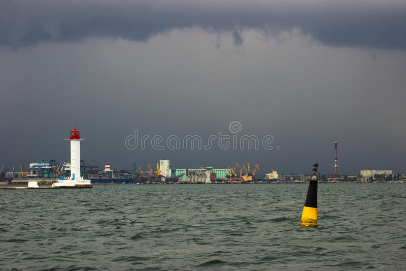 zaczyna burzę Vorontsov latarnia morska w Odessa, Ukraina obraz stock