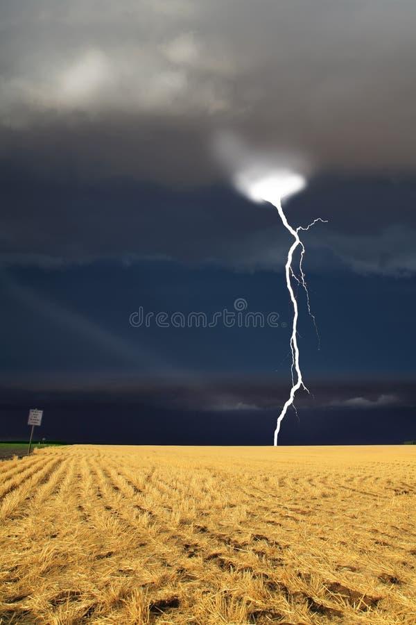 zaczyna burza grzmot zdjęcie stock
