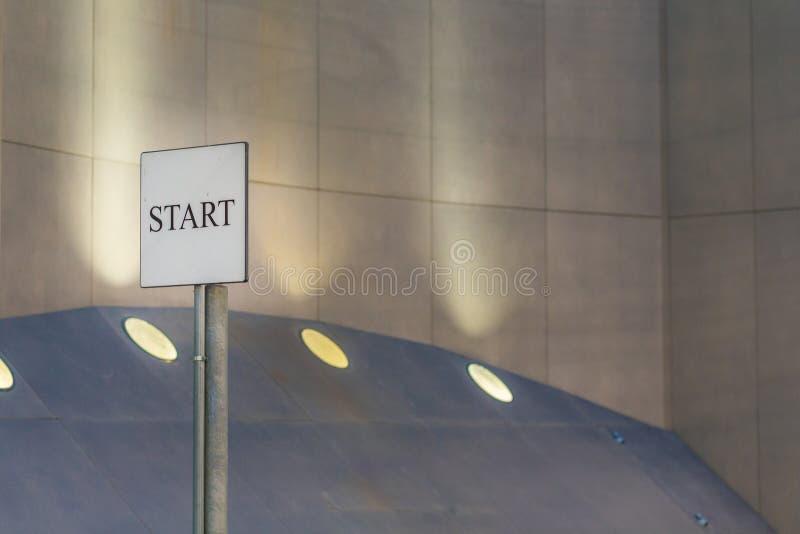 Zaczyna signboard zdjęcie stock