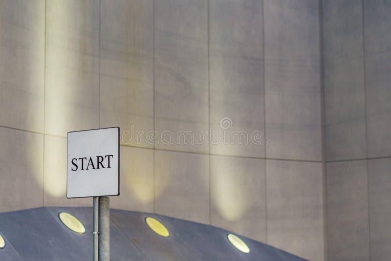 Zaczyna signboard obrazy stock
