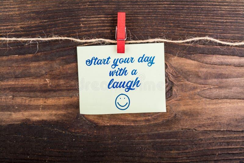 Zaczyna twój dzień z śmiechem zdjęcia stock