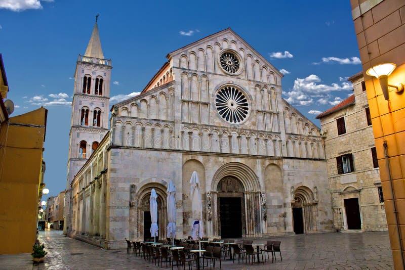 Zadar, Calle larga,达尔马提亚大教堂  图库摄影