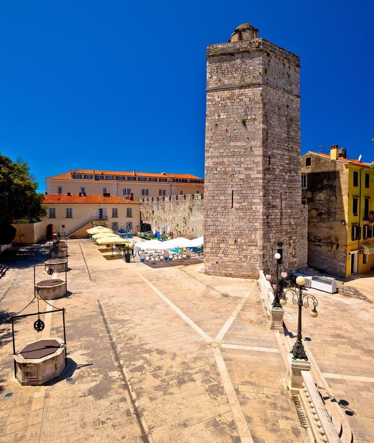 Zadar πέντε τετραγωνική και ιστορική άποψη αρχιτεκτονικής φρεατίων στοκ φωτογραφίες