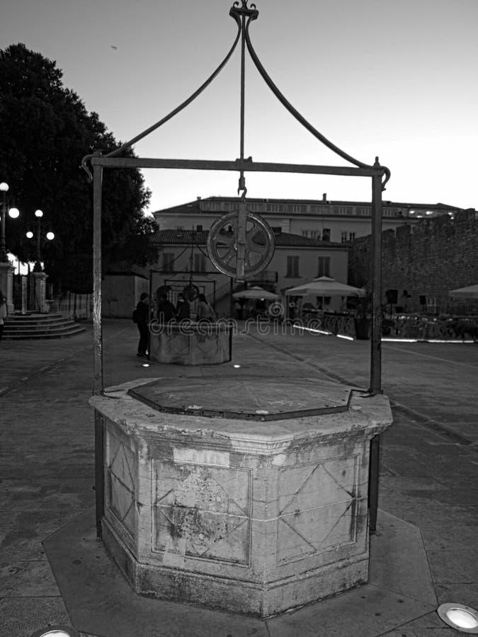 Zadar, cinq, puits, Croate, vues, beau, en pierre, puits, vues, centre, Zadar, Croatie images stock