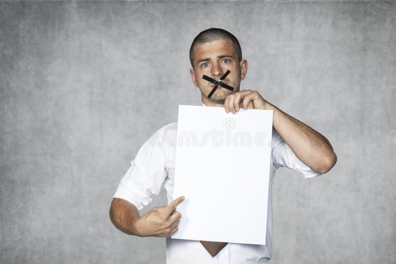 Zadawala czytający zanim ty podpisujesz fotografia stock