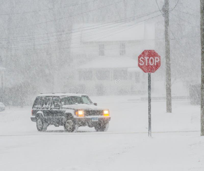 Zadawala przerwy snowing zdjęcie royalty free