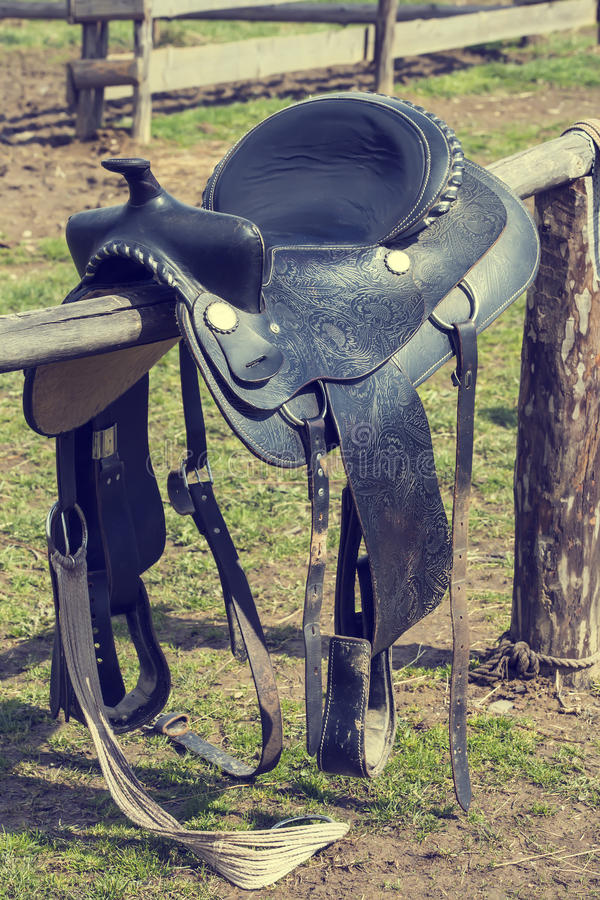 Zadel voor het berijden van een paard royalty-vrije stock foto