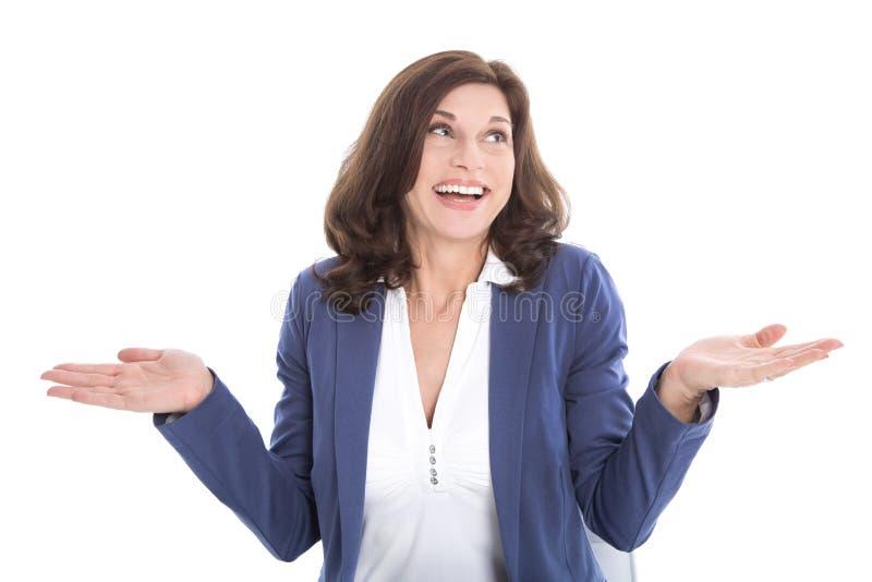 Zadowolona w średnim wieku kobieta w błękicie - odizolowywającym nad białym backgrund fotografia royalty free