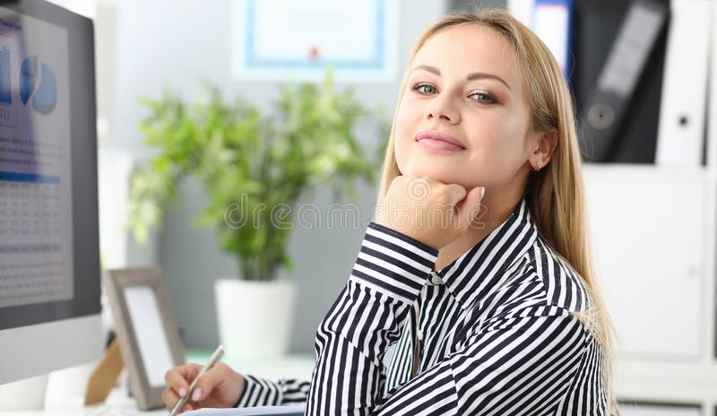 Zadowolony biznesowy kolega obraz stock