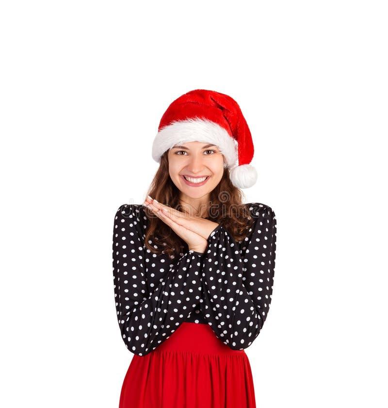 Zadowolony i marzycielski żeński śmiający się joyfully trzyma palmy zbliża kierowego i ono wpatruje się up od szczęścia i radości fotografia stock