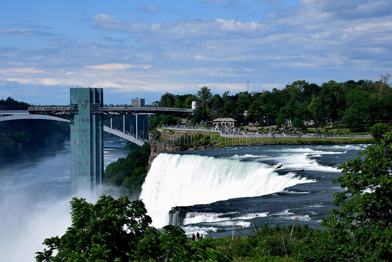 Zadziwiać Niagara siklawę obrazy stock