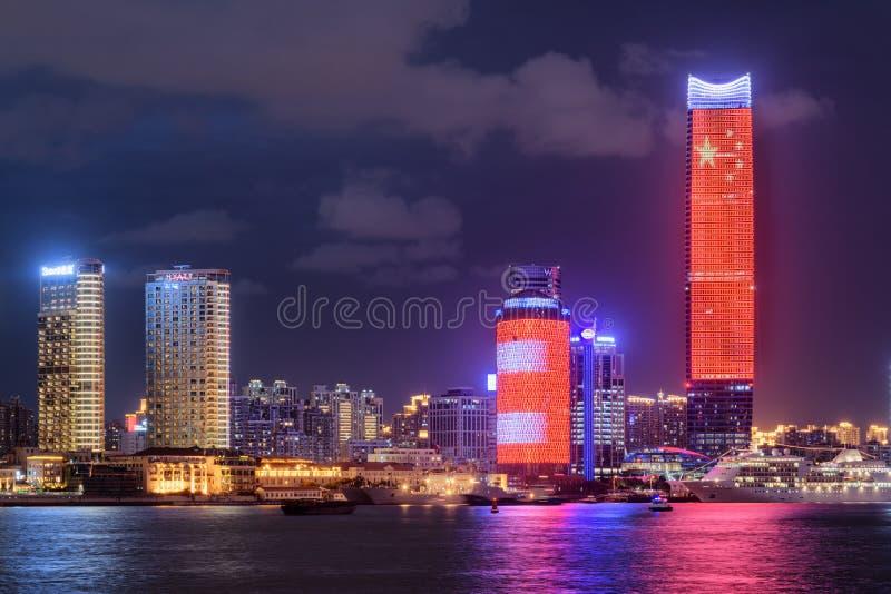 Zadziwiający noc widok Biały Magnoliowy plac, Szanghaj, Chiny obrazy stock