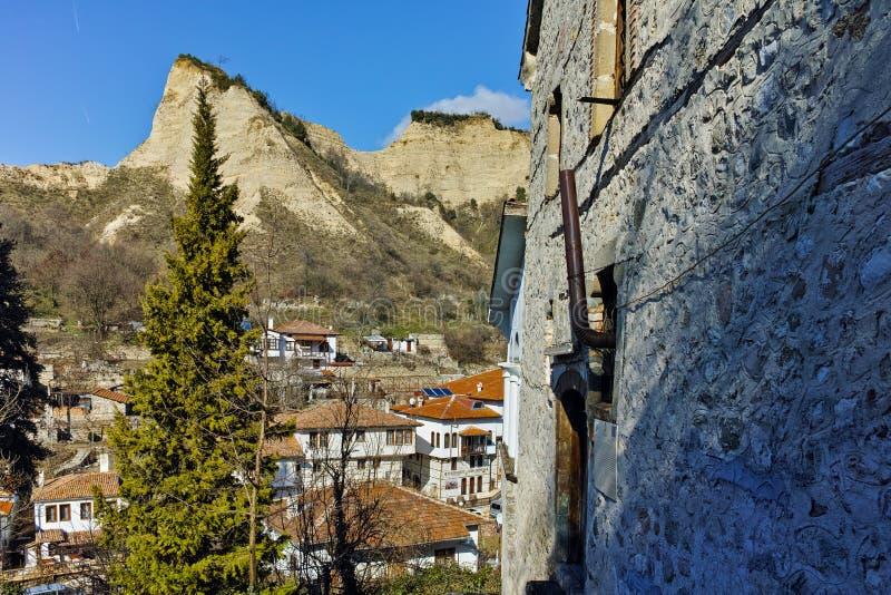 Zadziwiająca panorama miasteczko Melnik i piaska ostrosłupy, Bułgaria obraz royalty free
