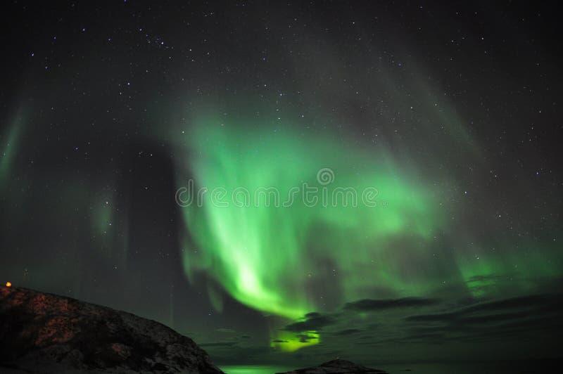 Zadziwiająca zorza i fjord fotografia royalty free