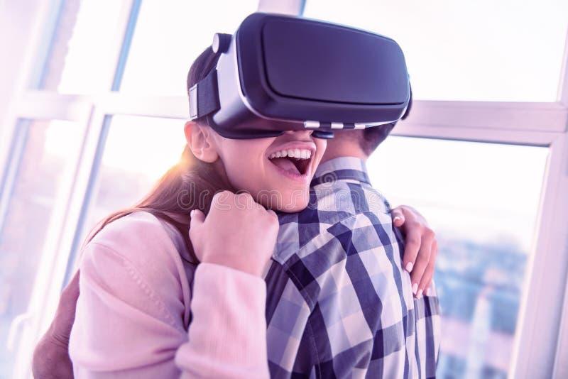 Zadziwiający żeńskiej osoby czuciowy szczęście z jej partnerem zdjęcie royalty free
