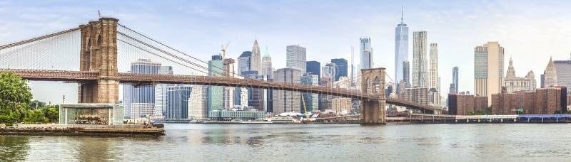 Zadziwiający panorama widok Nowy Jork most brooklyński i miasto obraz royalty free