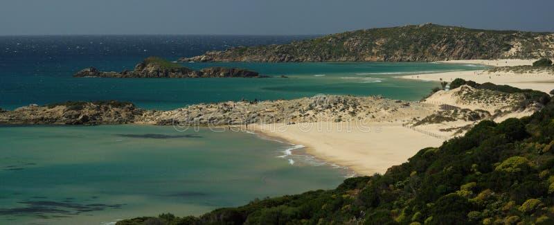 zadziwiający plażowy chia Sardinia widok fotografia royalty free